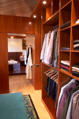 Post image for Biz Idea #39 – Compete on Price for Closets